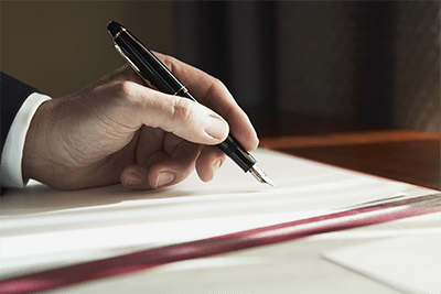 Нужно ли заключать трудовой договор с директором если он учредитель
