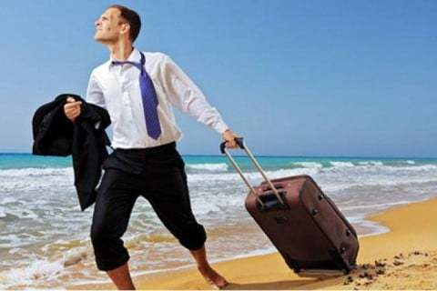 Отпуск за первый год работы предоставляется по истечении