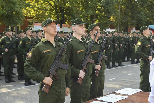 Входит ли служба в армии в страховой стаж для больничного 2021