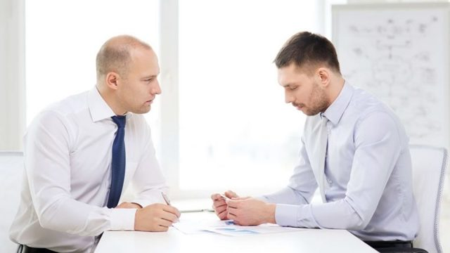Как уволить сотрудника если он не хочет увольняться