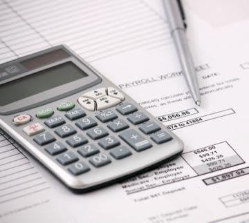 Изменения в уровне реальной заработной платы можно определить сопоставляя